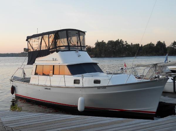 Mainship 34 MkI Trawler Starboard Profile