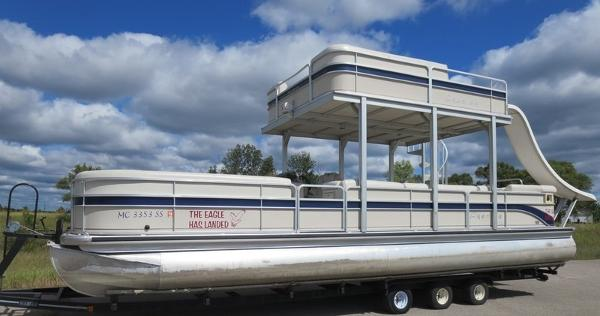 Premier Wide Deck (Double Decker) Pontoon