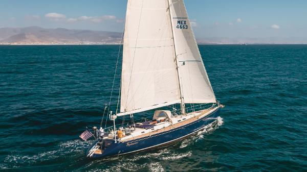 Custom 2001 / 66 Under Sail