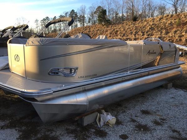 Avalon LSZ 2285 Cruise Rear Bench