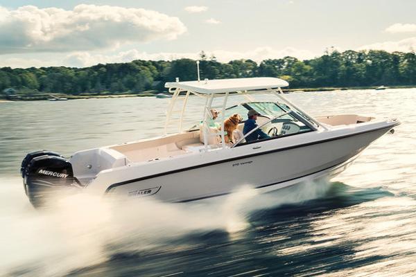 Boston Whaler 270 Vantage Manufacturer Provided Image