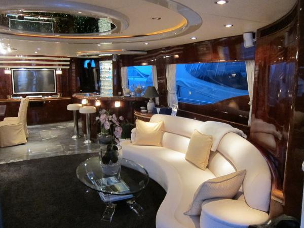 Horizon Elegance 94 Dynasty barco a motor de segundo mano en venta en italia