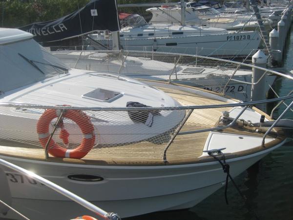 Beneteau Flyer 12 Cabin Beneteau Flyer 12 - YEAR 2008 - Blu Yachts