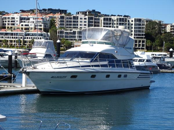 Sea Hawk 55 Flybridge