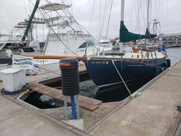 Blue Water Ingrid 38
