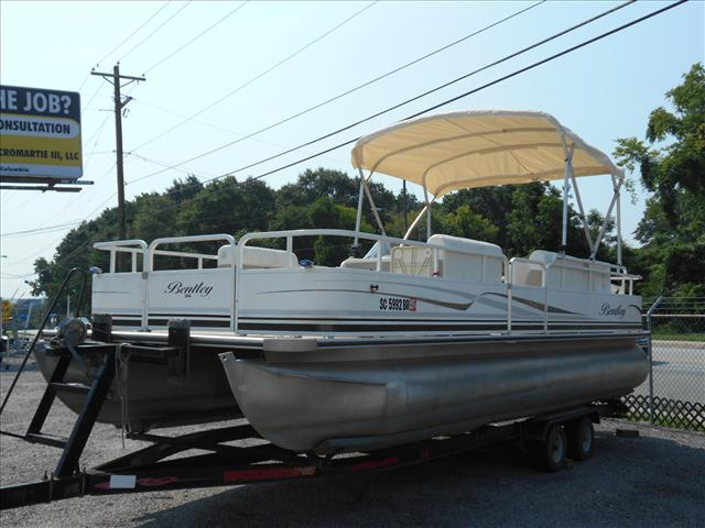 Bentley Pontoons 24' Fish