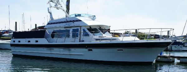 Trader 54 Sundeck Trader 54 for sale - starboard view