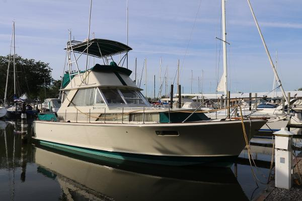 Chris-Craft 38' Commander