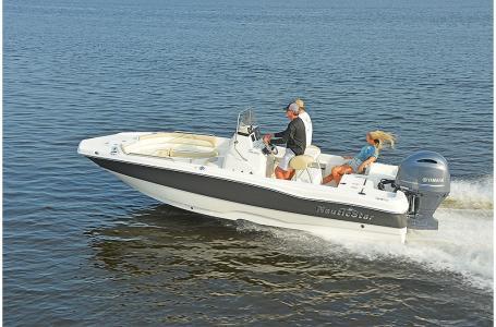 NauticStar 211 Angler