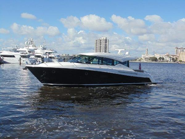 Tiara 50 ' Express Cruiser HMY Trade 50 Tiara