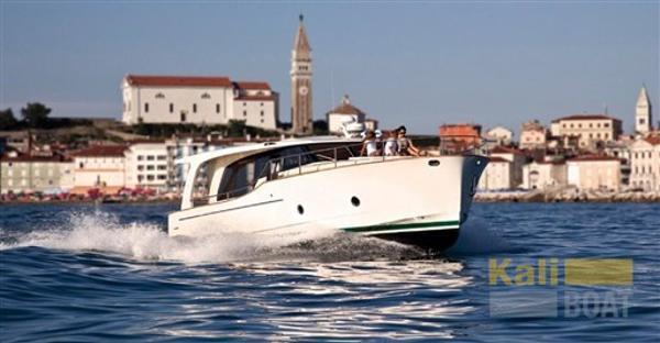Seaway yachts Greenline 33 Hybrid Capture d'écran 2016-10-22 à 20.47.06