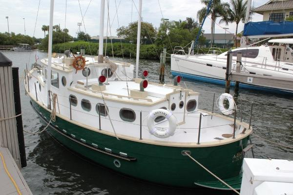 Willard 30 Trawler