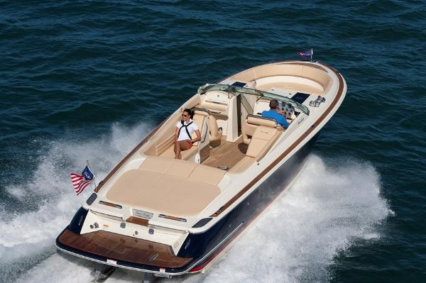 Chris-Craft Launch 32 Heritage Edition