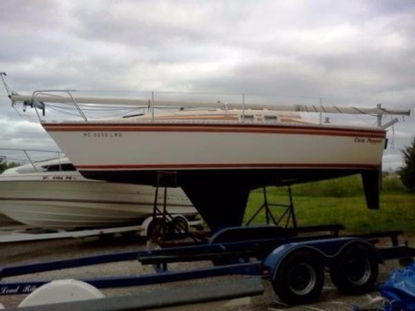 Hunter 25.5 Sailboat Main