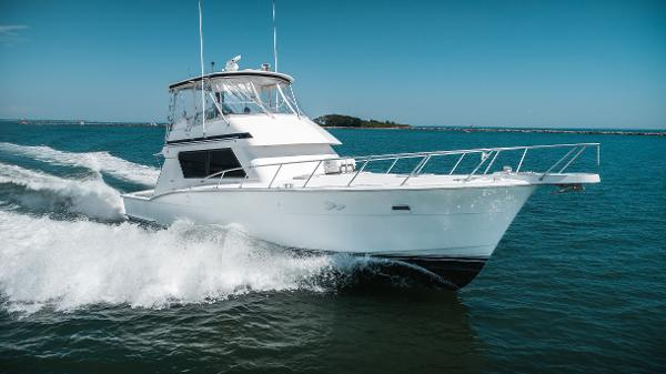 Hatteras 52 Convertible Stbd Profile