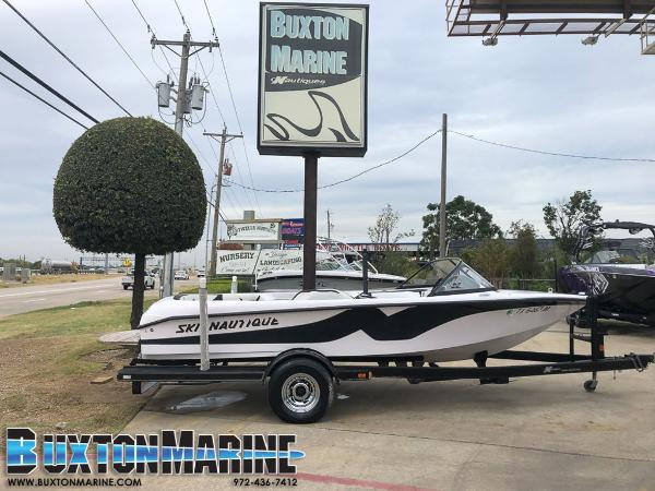 Correct Craft Super Air Nautique 196
