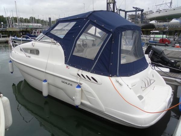 Sealine S24 Sports Cruiser Sealine S24