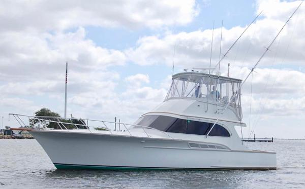 Buddy Davis 47 Sportfish Port Profile