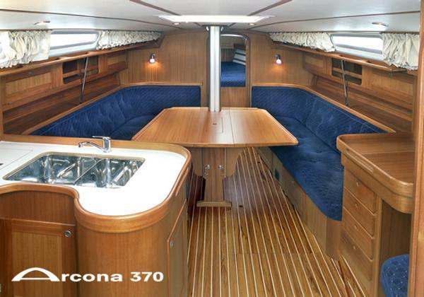 Arcona 370 Saloon