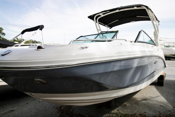 Sea Ray SDX 250 Outboard