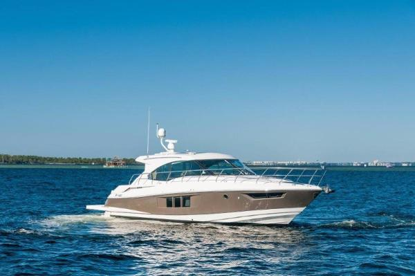 Cruisers Yachts 45 Cantius 2015 Cruisers Yacht 45 Cantius- Starboard Profile
