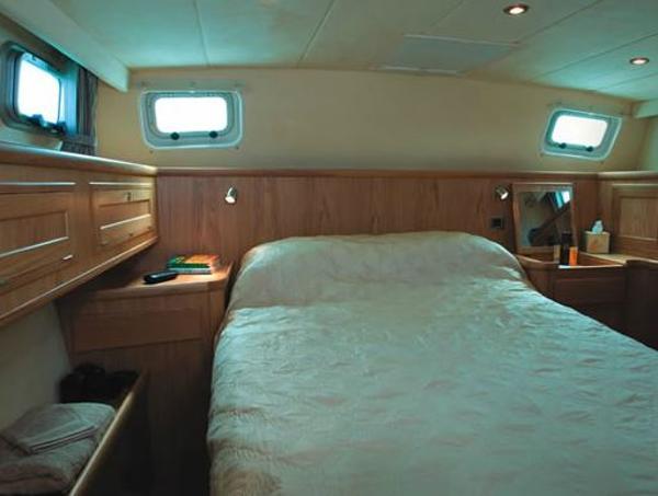 Dale Nelson 38 Cabin