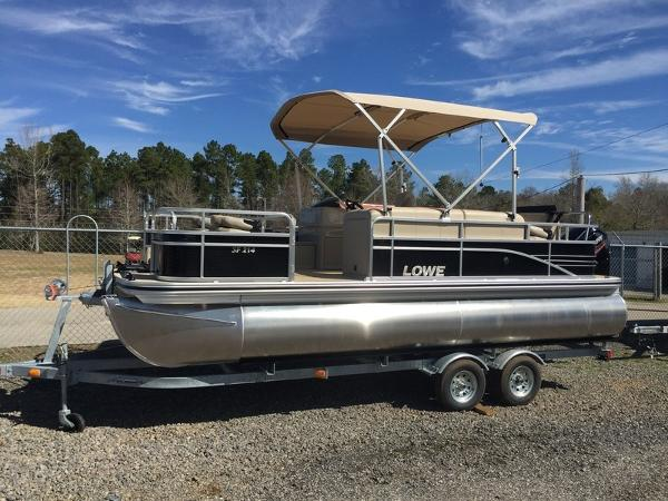 Lowe SF Pontoon 214 Fish Station