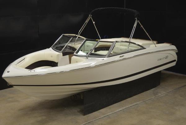 Cobalt  220S Bowrider