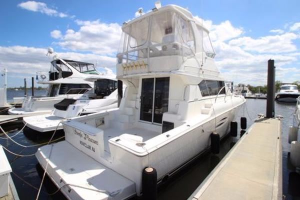 Silverton Yachts 42 Convertible Starboard Side