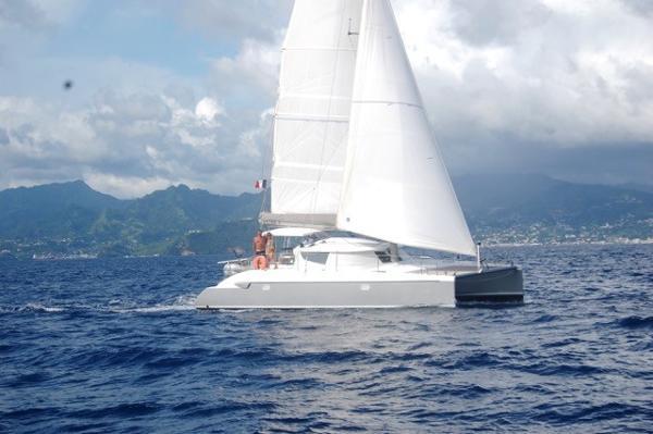 Fountaine Pajot LAVEZZI 40 Sous Voiles / Sailing