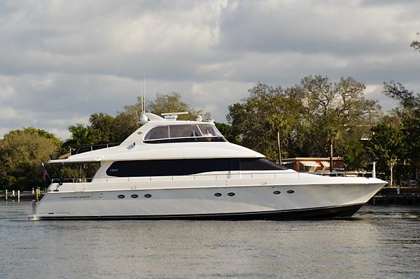 Lazzara Yachts Walkaround