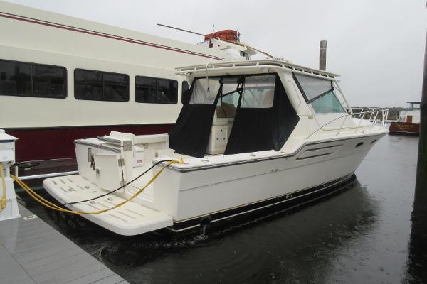 Tiara 3600 Open Hardtop Tiara 3600 Nauti-Girl Hull profile