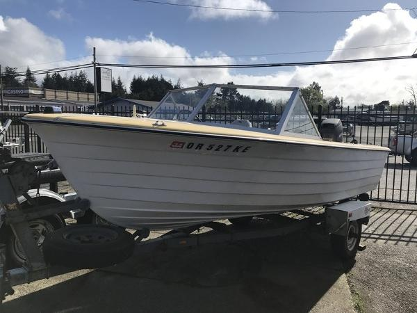 Reinell Closed Bow 16'