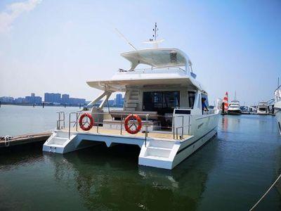 New Cruiser Yachts 52.8FT  Catamarans