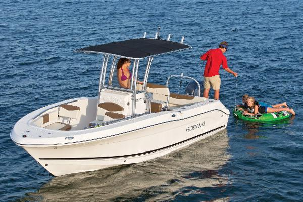Robalo R202 Explorer Manufacturer Provided Image: Manufacturer Provided Image