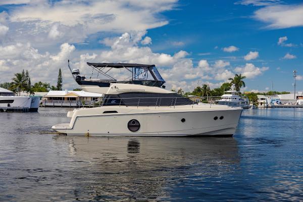 Monte Carlo Yachts Beneteau MC 4