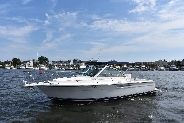 Tiara 2900 Coronet Bow September 19  2018