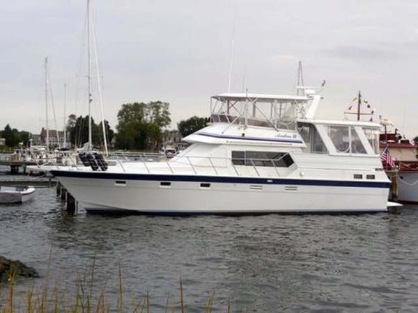 Hi-Star Sun Deck Motoryacht