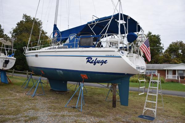 "Catalina 36 MkII ""Refuge"" on the Hard"