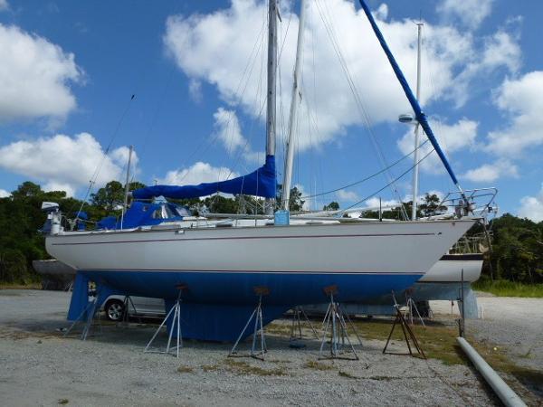 Morgan 382 Morgan Starboard Profile