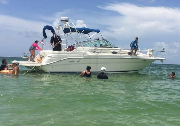 Sea Ray 270 Sundancer Sea Ray 270 Sundancer