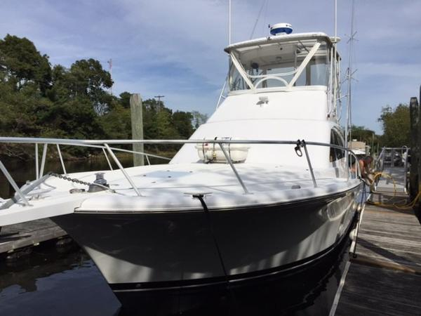 Luhrs 400 Convertible
