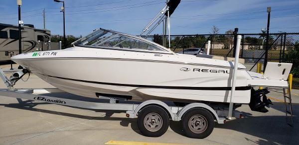Regal 1900 ES Bowrider Profile