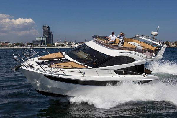 Galeon 420 Fly Manufacturer Provided Image