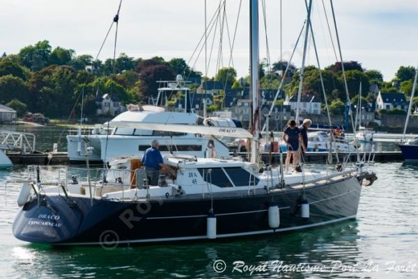JFA Yachts 45 Deck Saloon