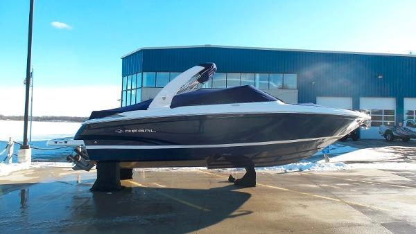 Regal 2700 Bowrider