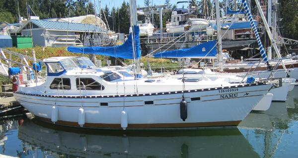 Cooper 353 Pilothouse Sloop