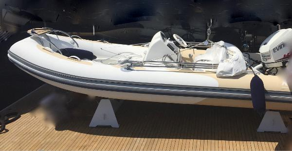 Avon Seasport 470