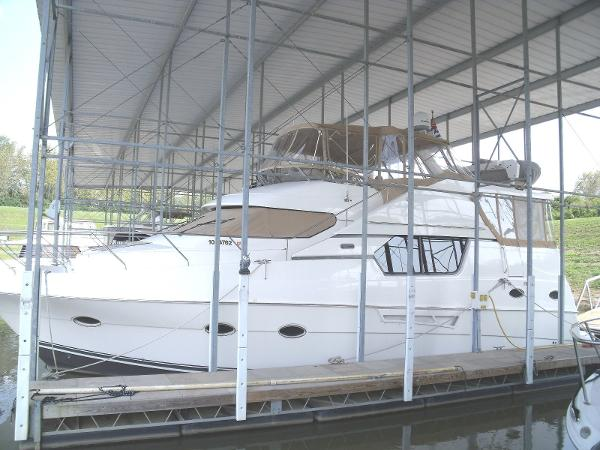 Silverton 453 Pilothouse Motor Yacht ext