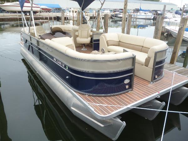 Crest Pontoon Boats 250 SLC